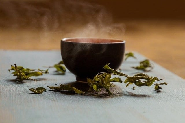 Habitual tea drinking modulates brain efficiency: Evidence